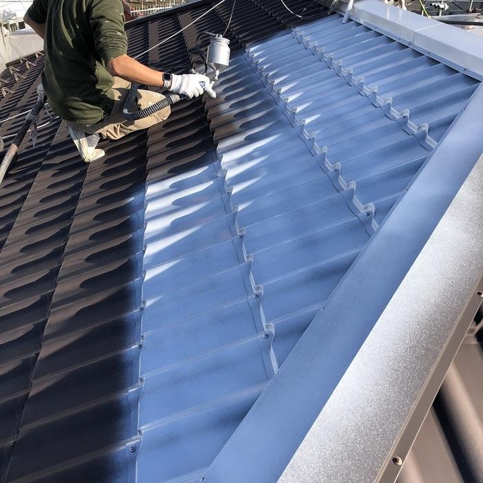 屋根の吹き付け塗装
